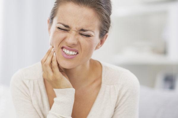 От острой зубной боли быстро в домашних условиях